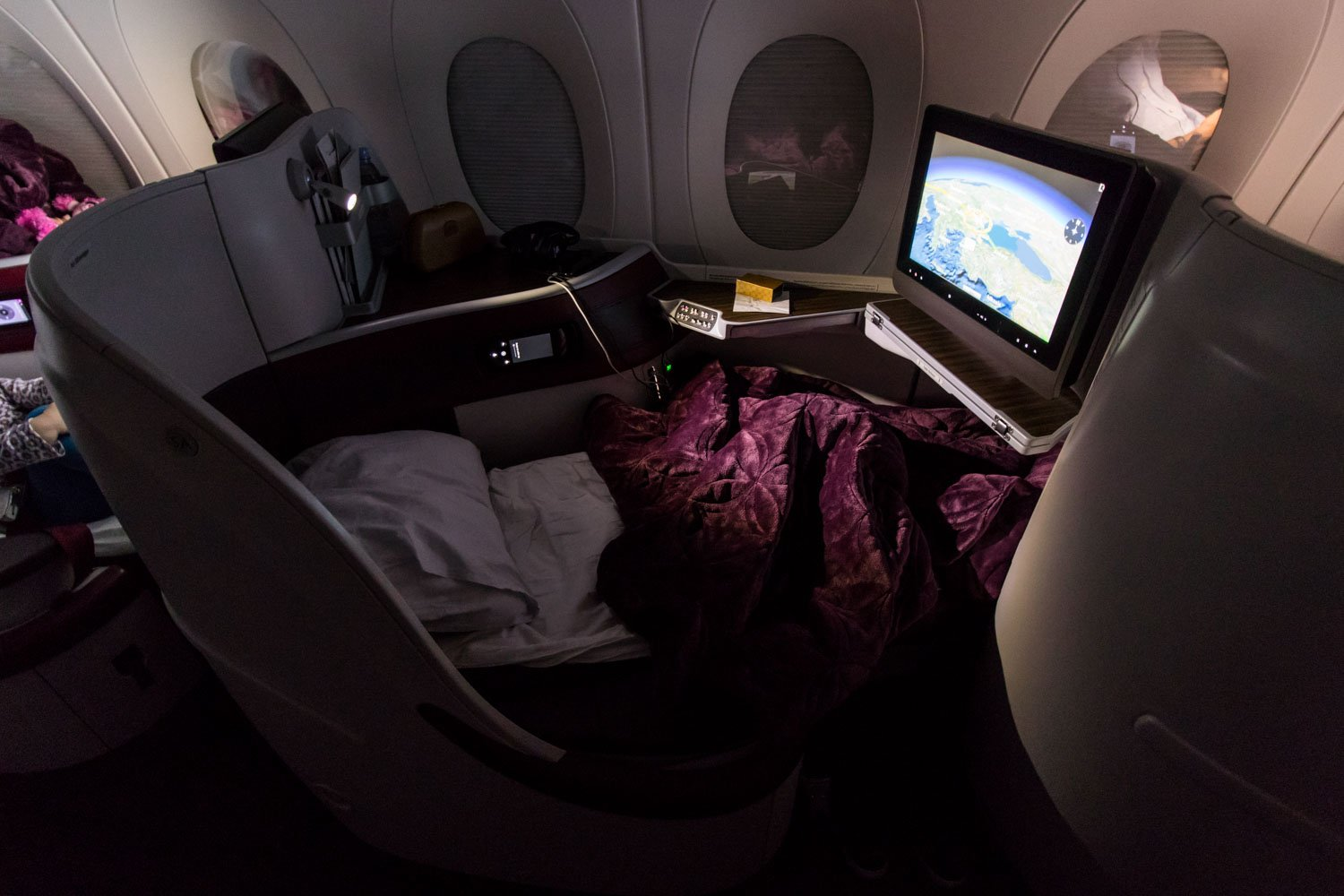 Qatar Airways Airbus A350-900 Business Class Full Flat Seat