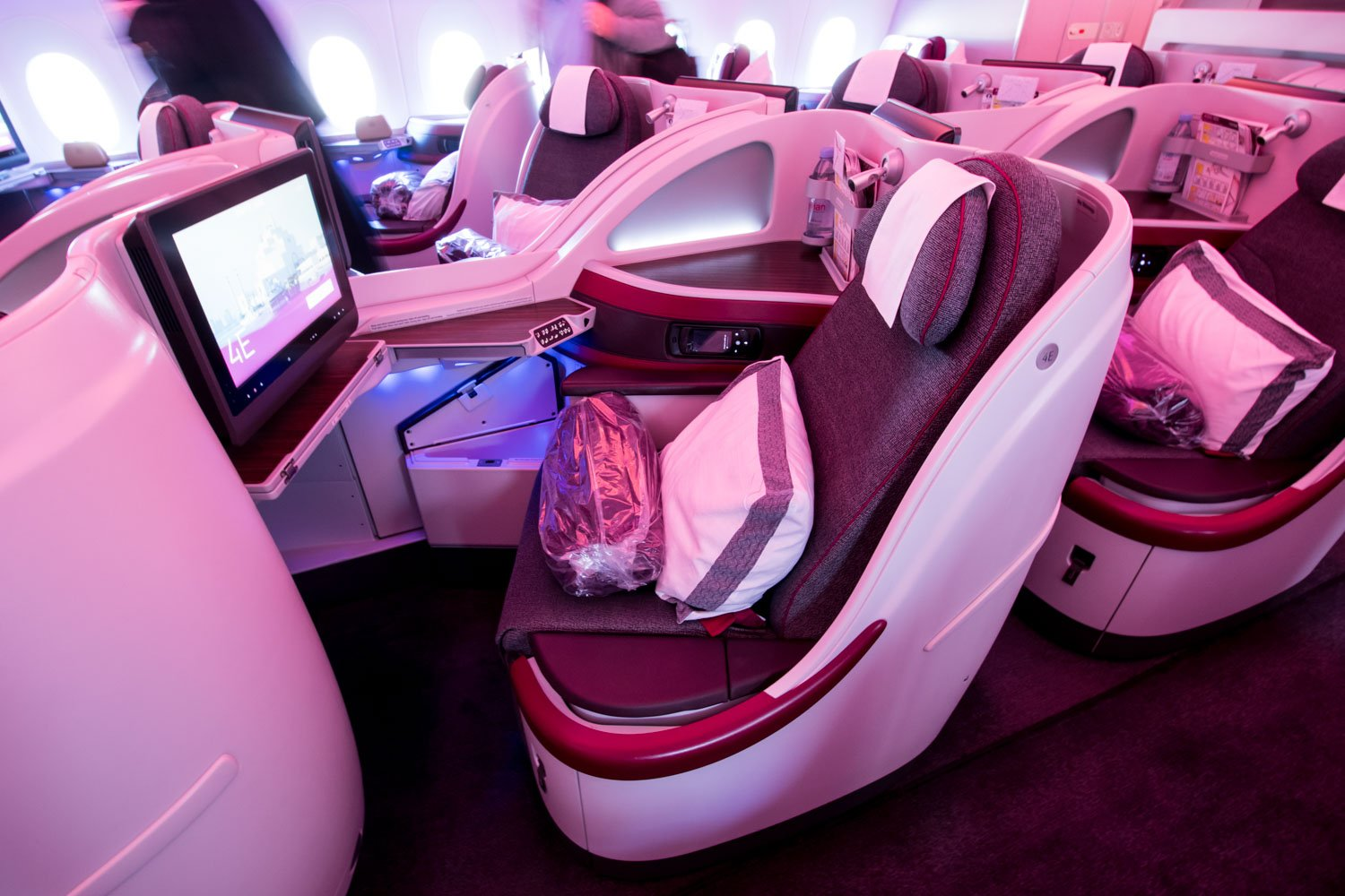 Center Pair of Reverse Herringbone Seats on Qatar Airways A350-900