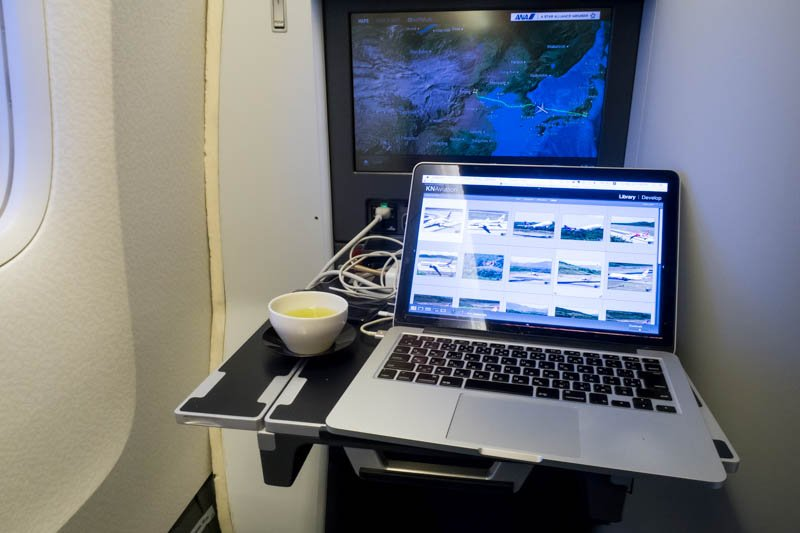Best Portable Monitors and Other Ways to Extend Screen While Traveling