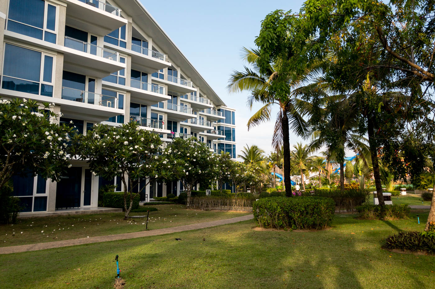 Grand West Sands Resort & Villas Phuket Building