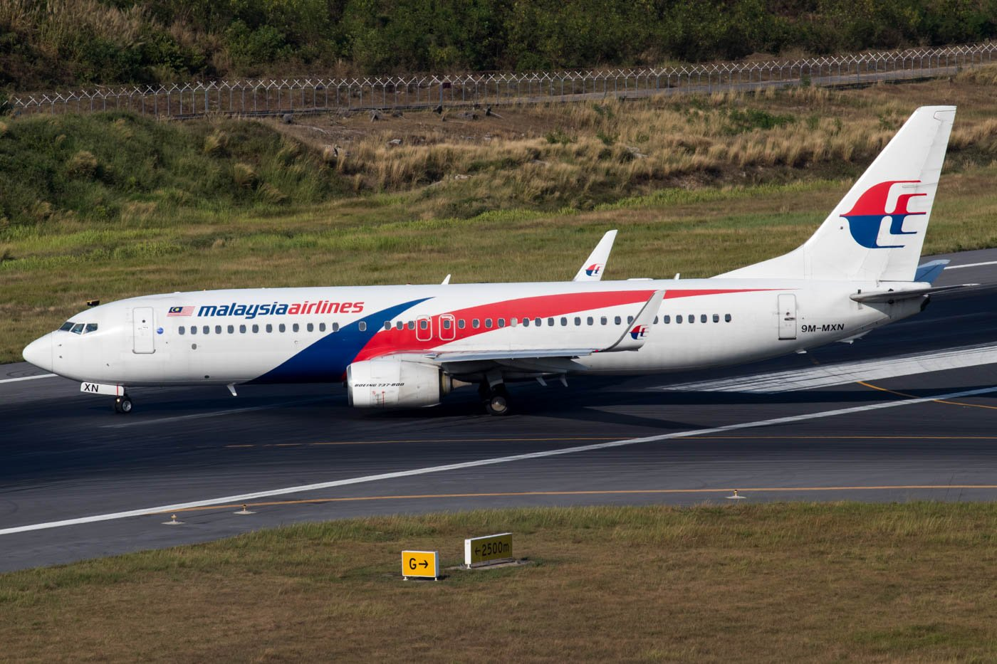 Malaysia Airlines 737-800 at Phuket Airport