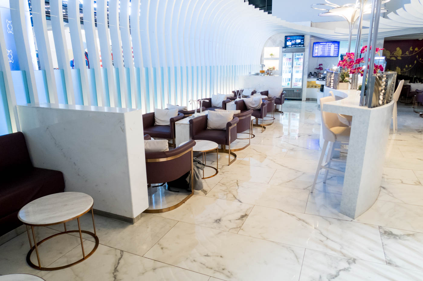 Overview of Thai Lounge for International Flights Out of Phuket