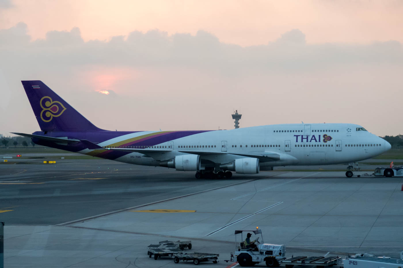 Thai Airways Boeing 747-400 Being Towed