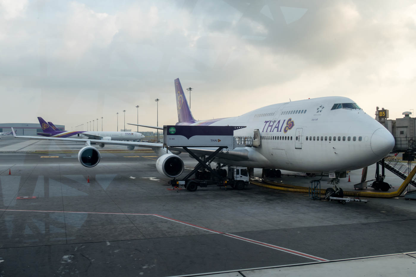 Thai Airways 747-400