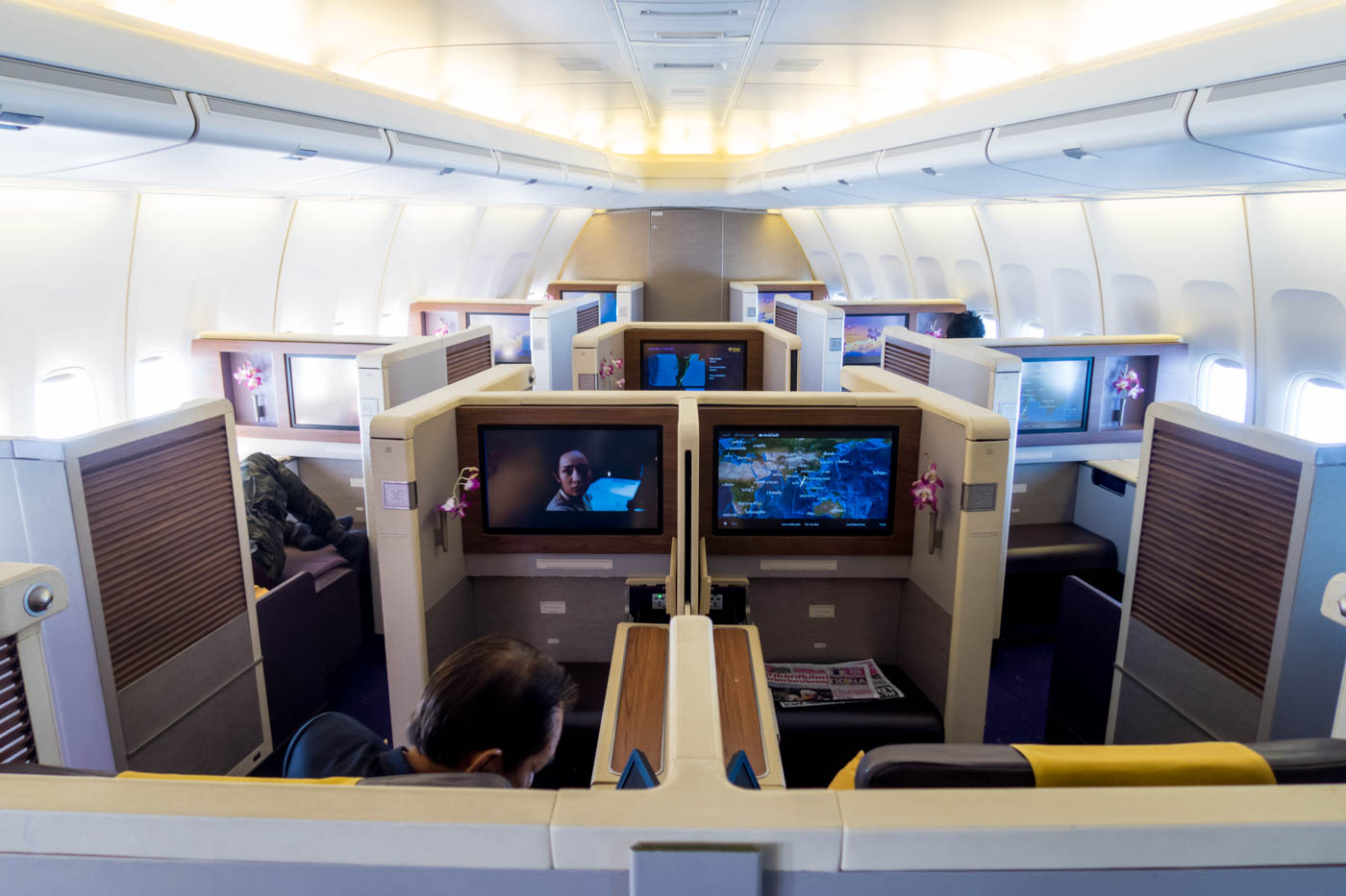 Thai Airways Boeing 747-400 First Class Cabin