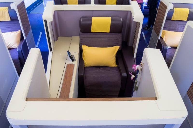 Thai Airways Boeing 747-400 First Class Seat