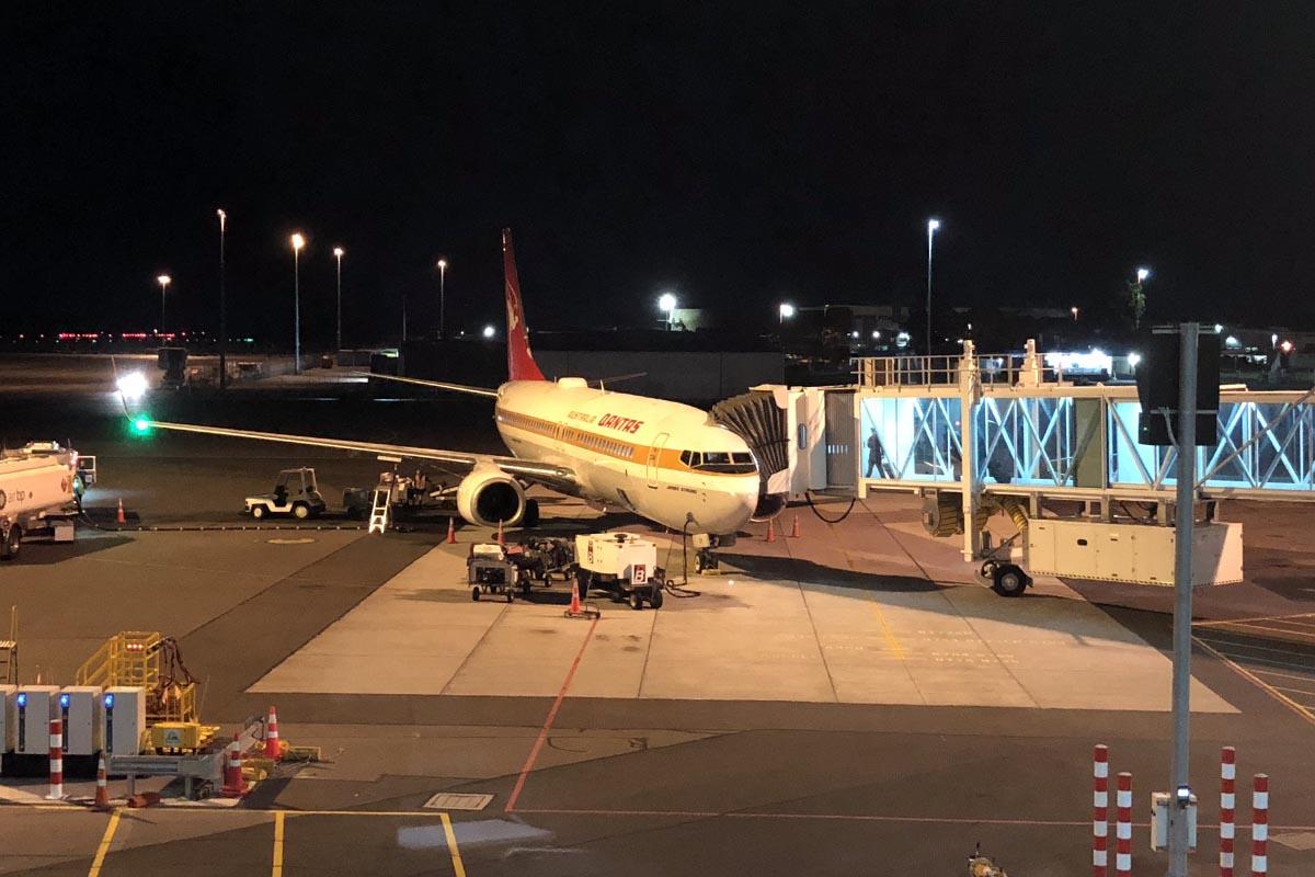 Qantas 737-800 Retro Jet
