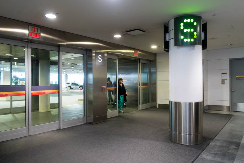 Airport Hotel Review Holiday Inn Toronto Airport East
