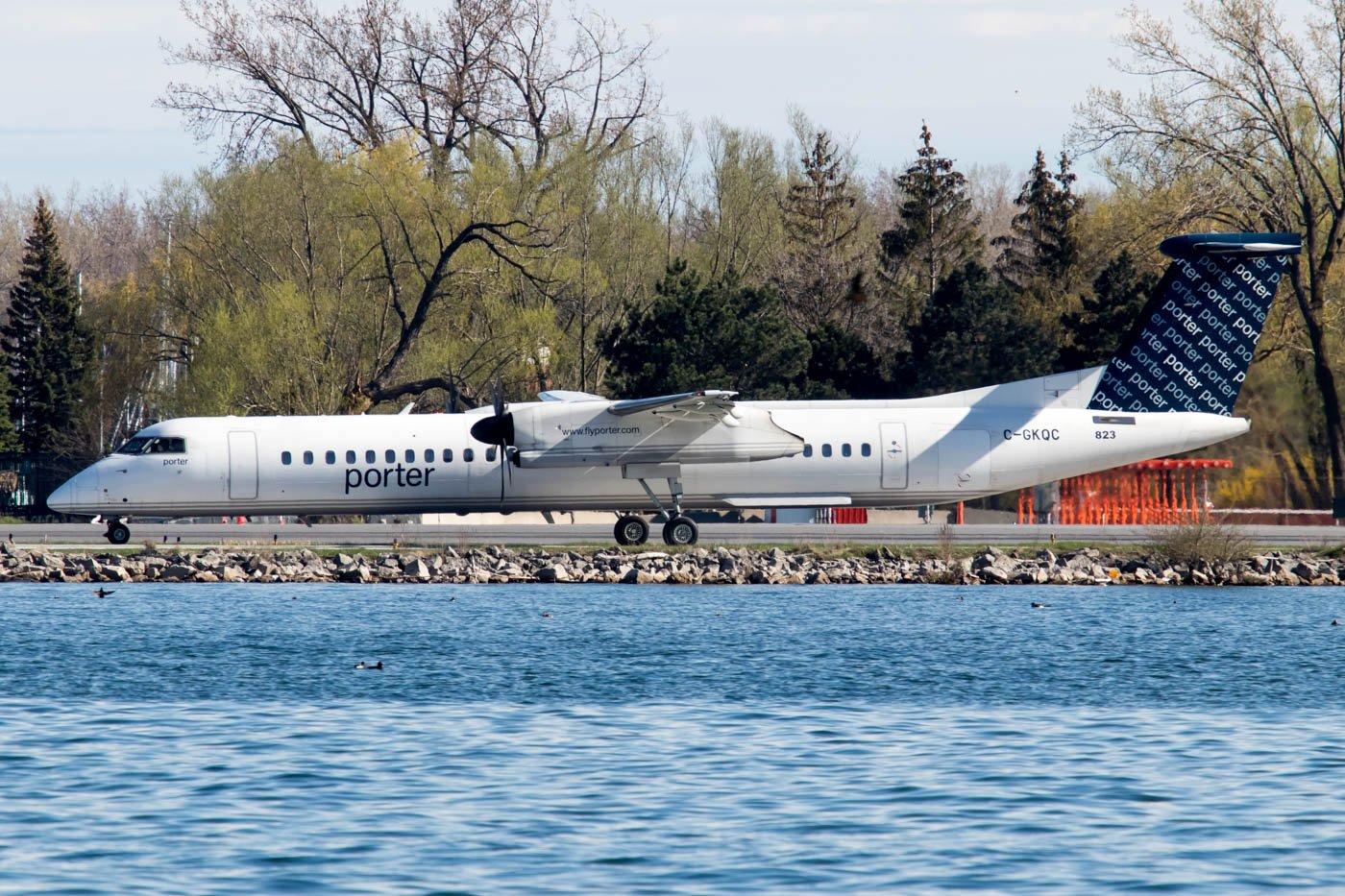 Porter Airlines Dash 8 Billy Bishop Toronto City Airport