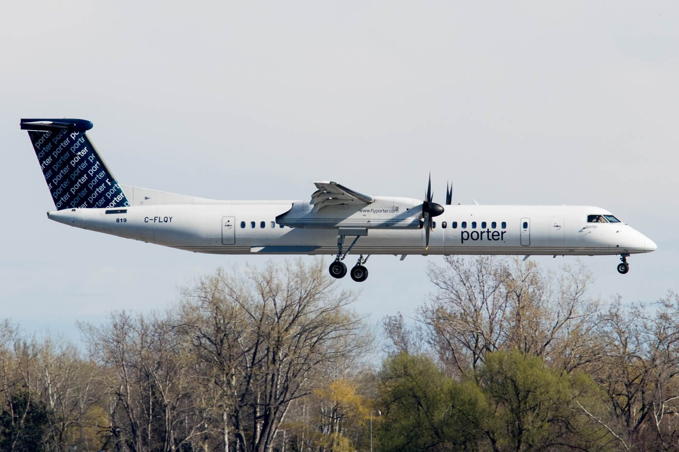 Porter Airlines Dash 8 at Toronto City Airport