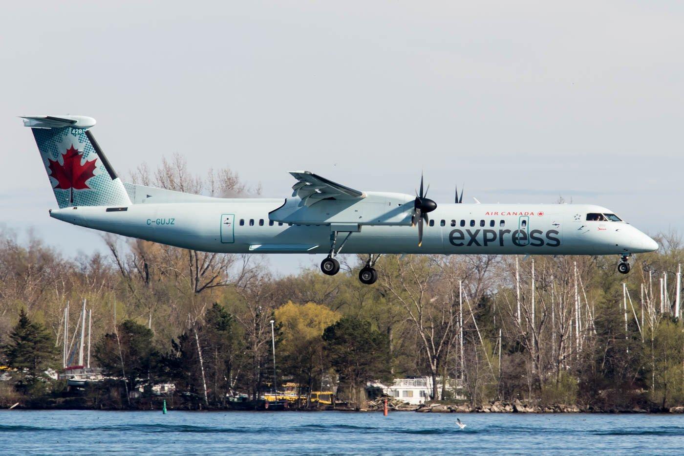 Air Canada Express Dash 8 Q400 at Billy Bishop Toronto City Airport