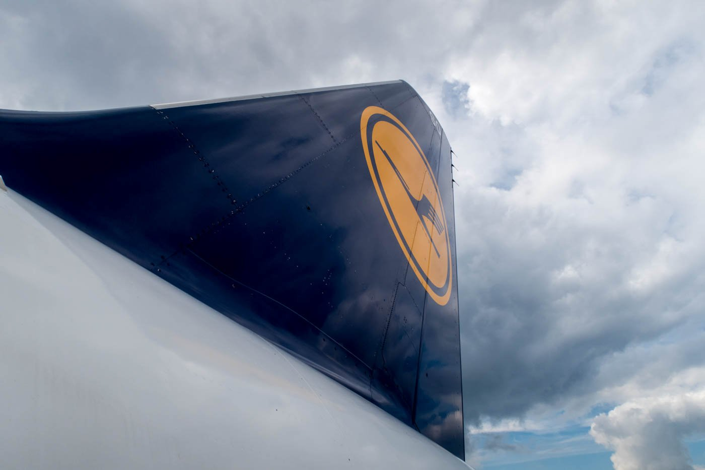 "The ""old"" version of the Lufthansa tail design."