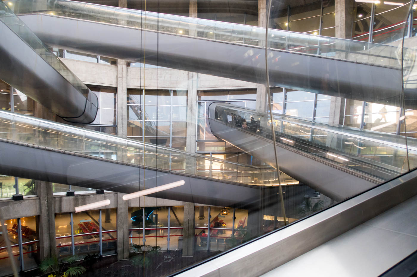 Paris CDG Terminal 1 Escalators