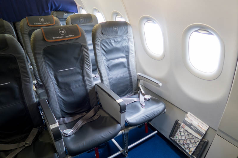 Review Lufthansa A321 Economy Class From Paris Cdg To