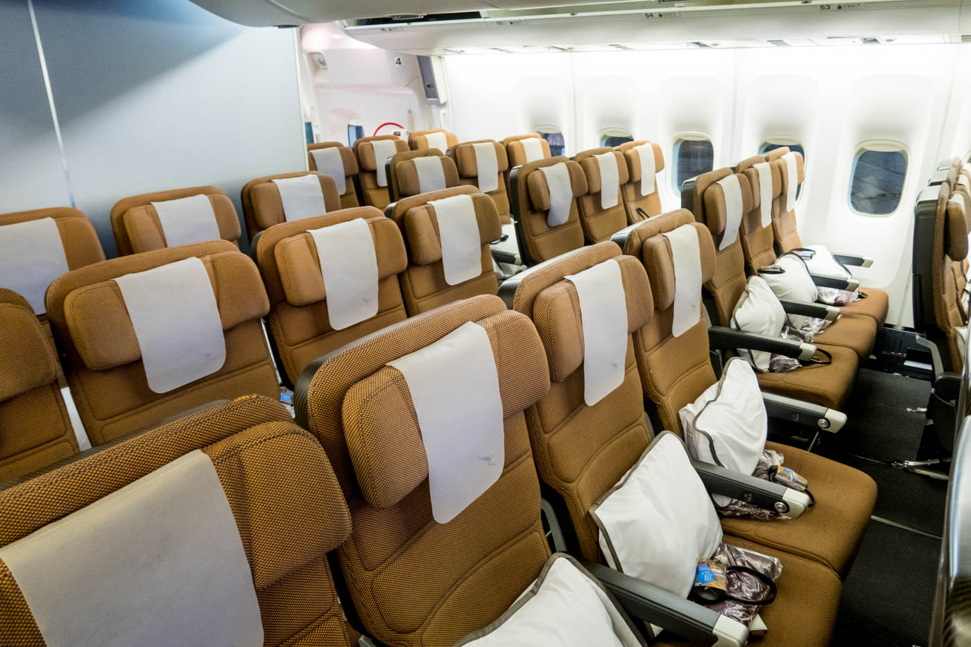 Qantas 747-400 Economy Class