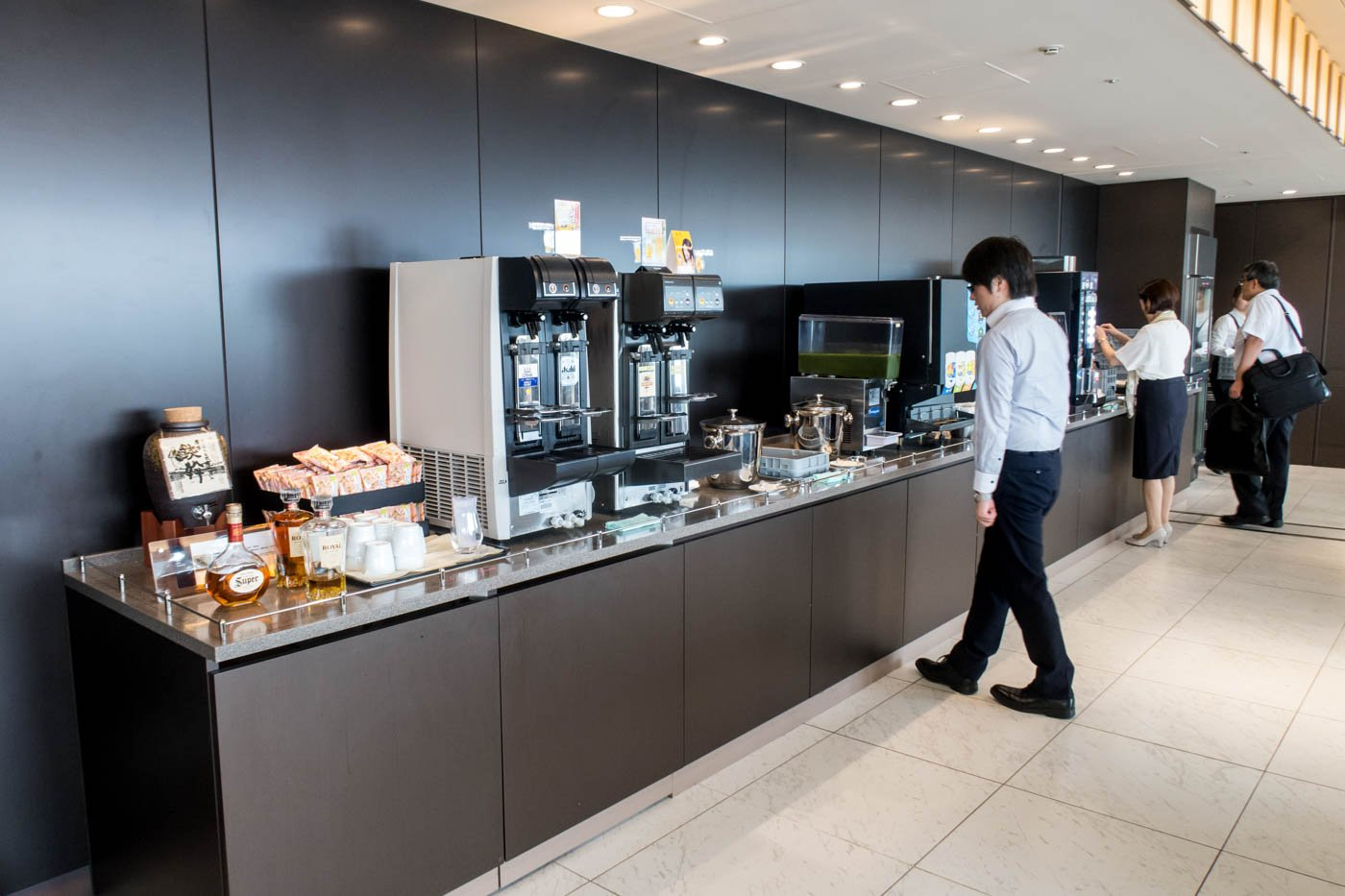ANA Lounge Sapporo New Chitose Drinks and Snacks