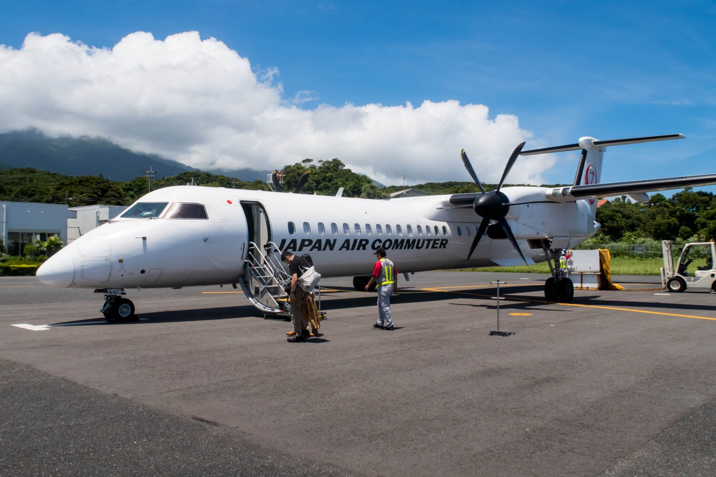 Japan Air Commuter Dash 8 Q400 at Yakushima Airport