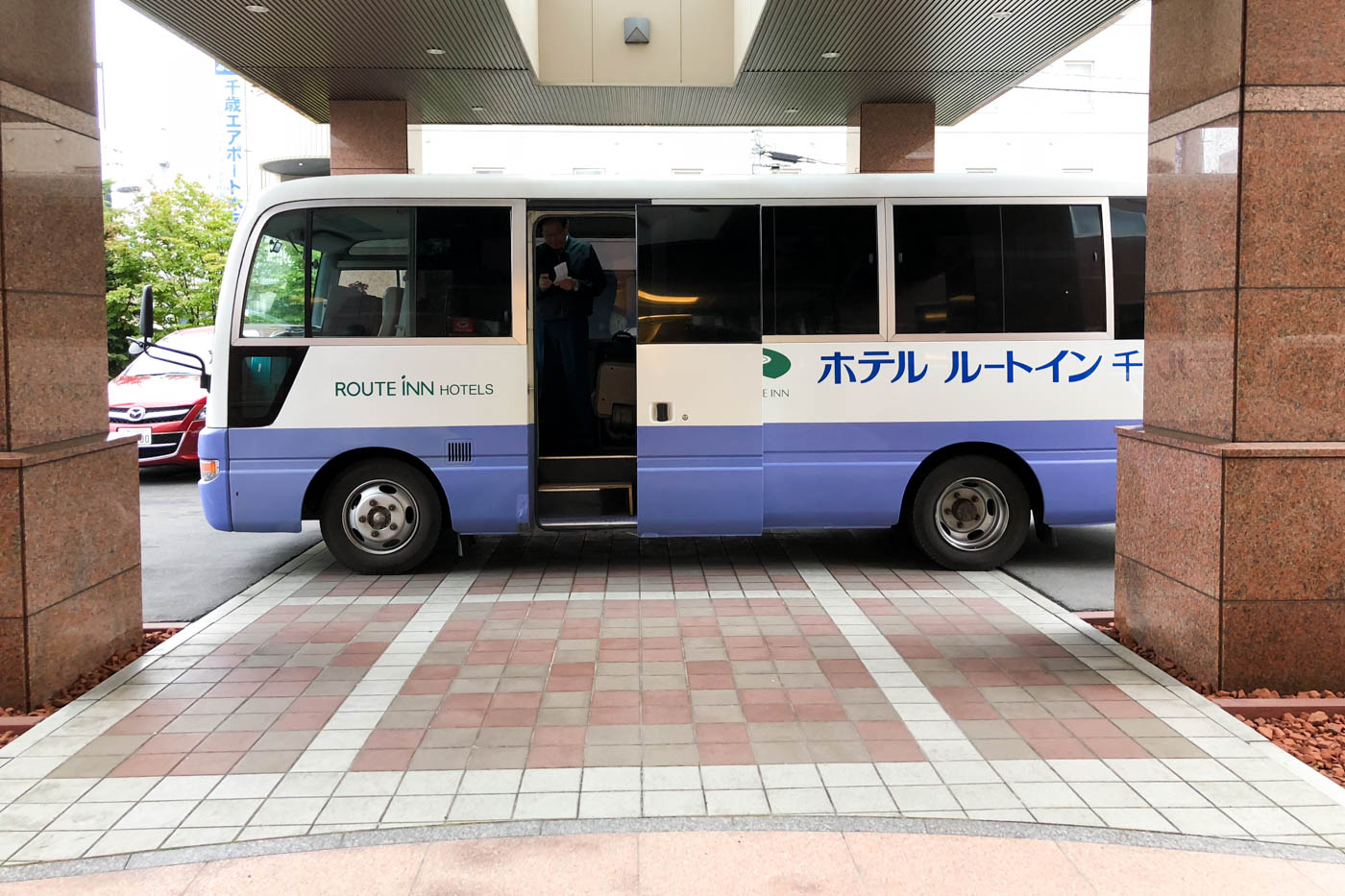 Hotel Route-Inn Chitose Airport Shuttle Bus