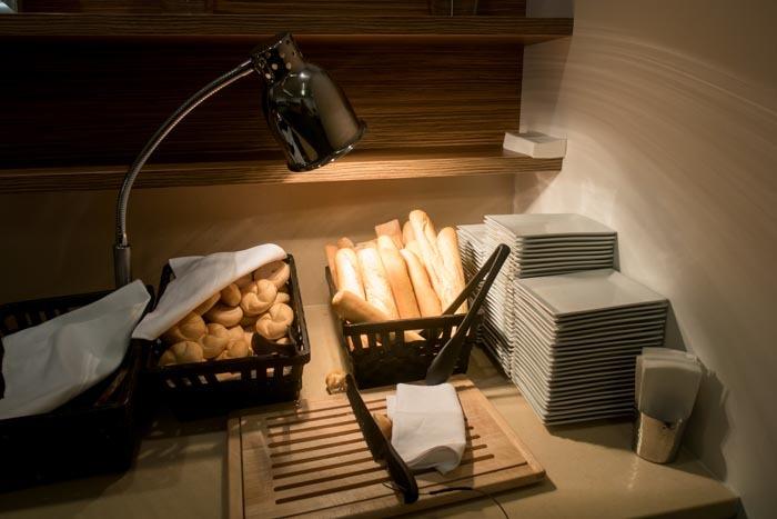 Jet Lounge Vienna Bread