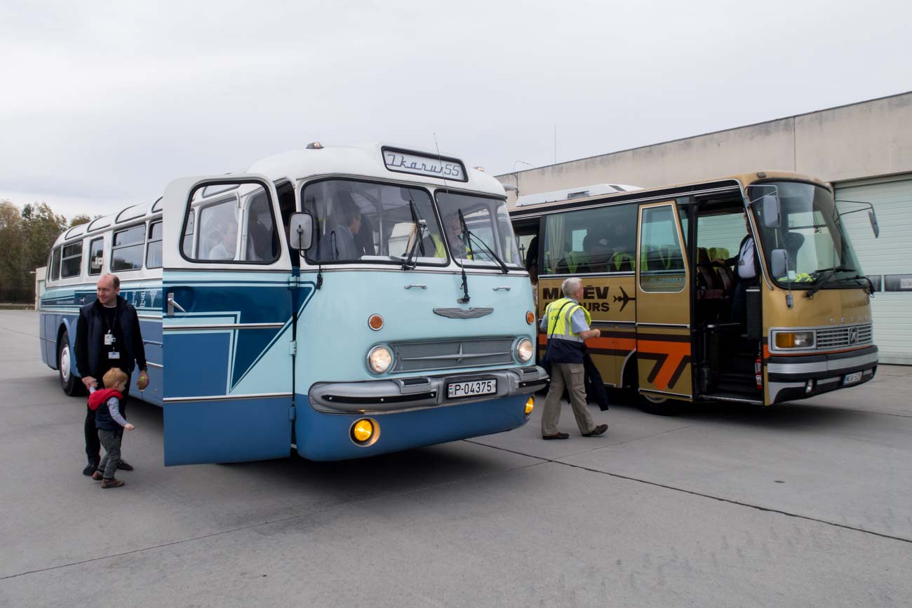 Setra 208H and Ikarus 55