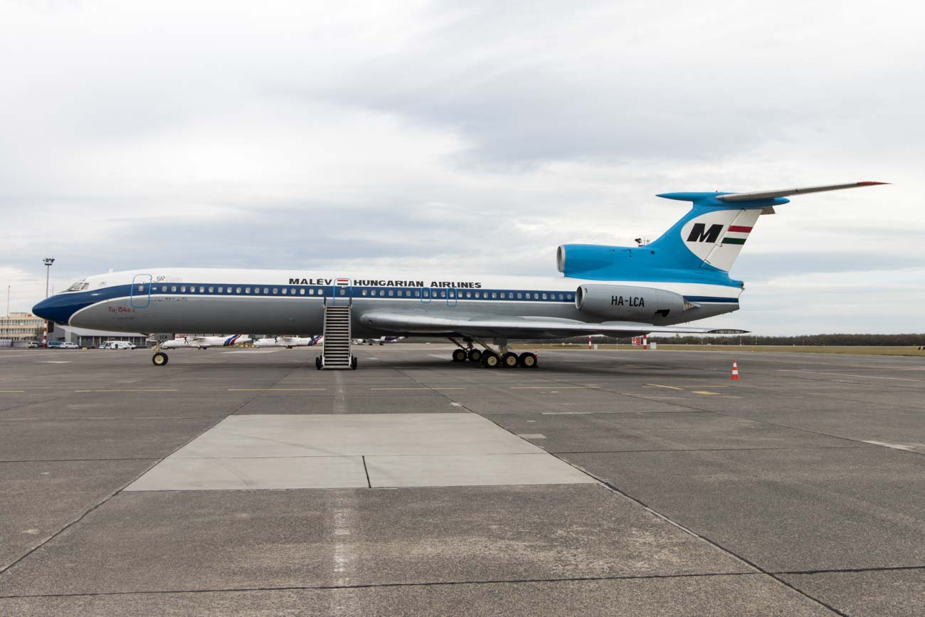 Malev Tupolev Tu-154B-2