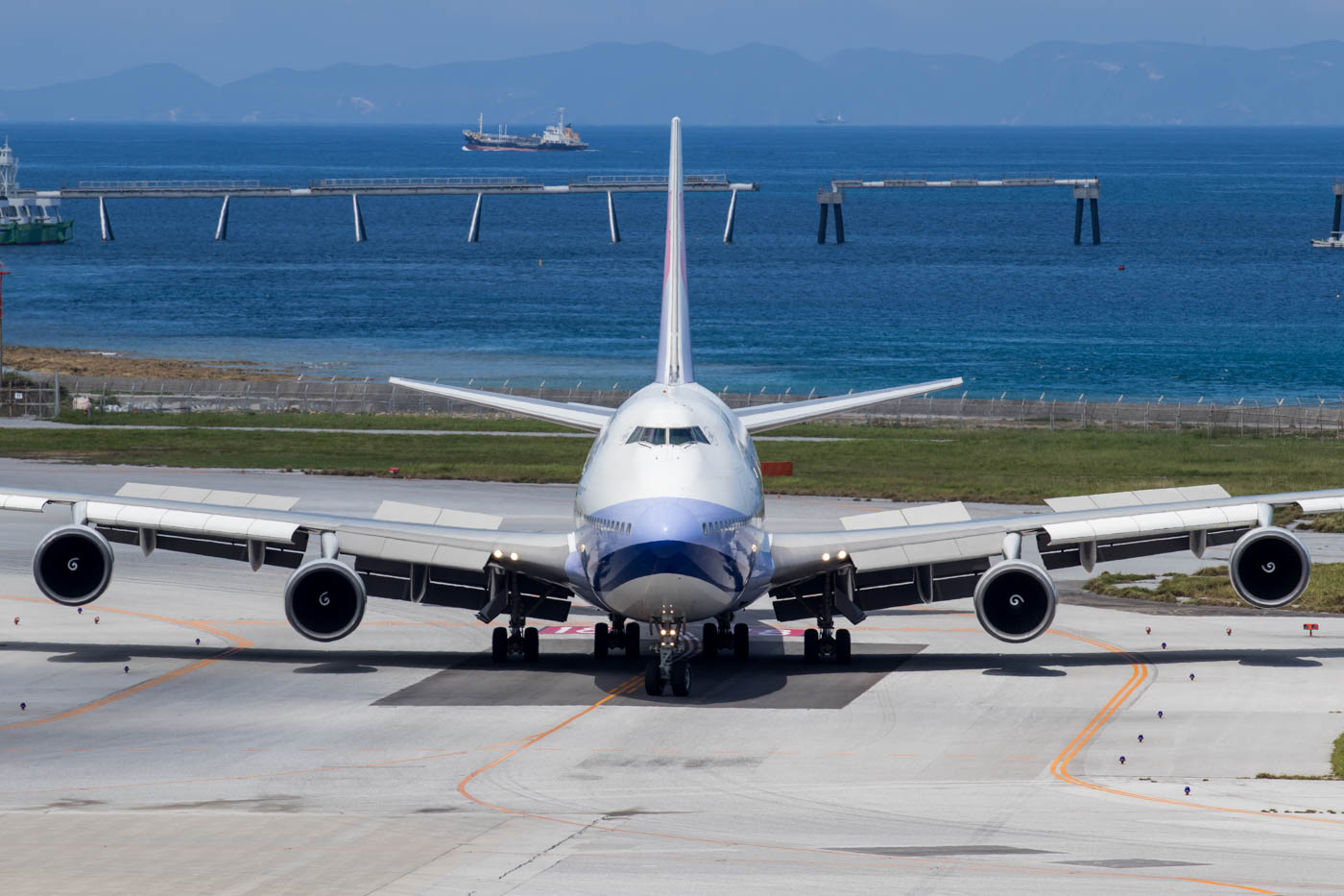 China Airlines 747-400 at Naha