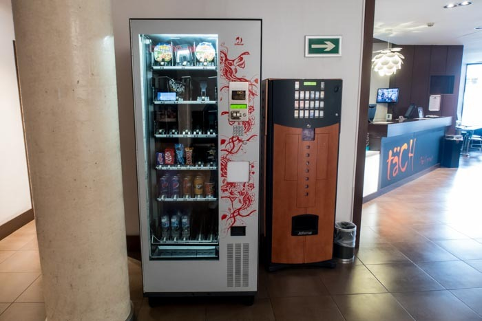 Hotel Tach Madrid Airport Vending Machines