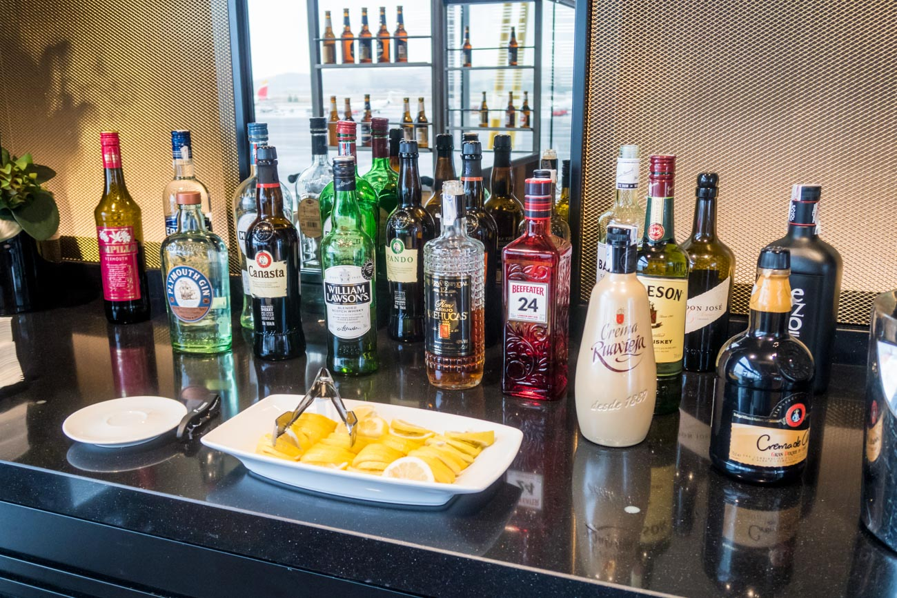 Iberia Premium Lounge Velazquez Madrid Alcoholic Drinks