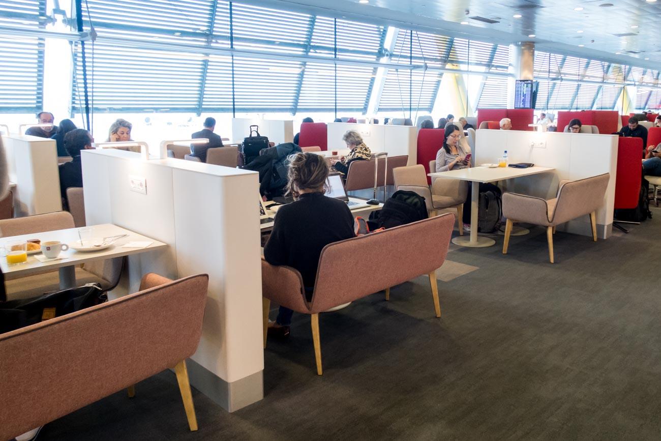 Iberia Premium Lounge Velazquez Madrid Buffet