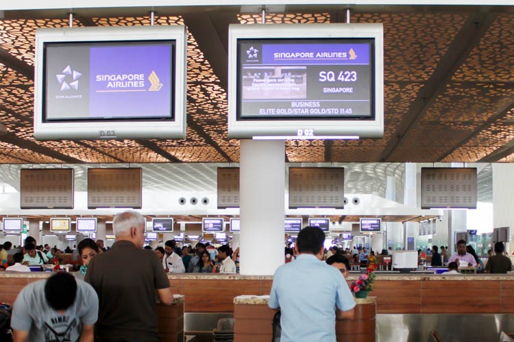 Singapore Airlines Check-in at Mumbai Airport