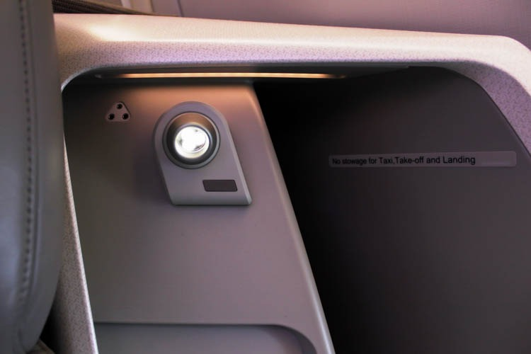 Singapore Airlines A350 Business Class Seat Reading Light