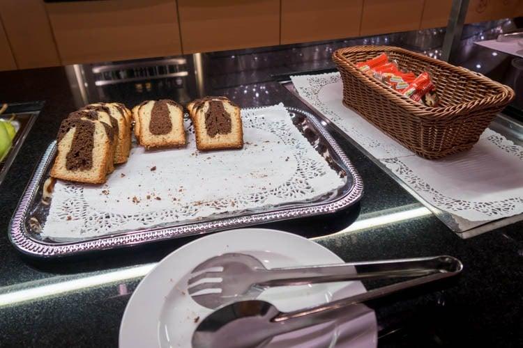 Basel EuroAirport Skyview Lounge Dessert