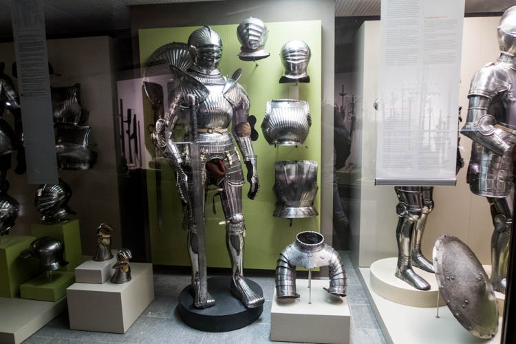 Arms and Armors in the Royal Museum of the Armed Forces and Mili