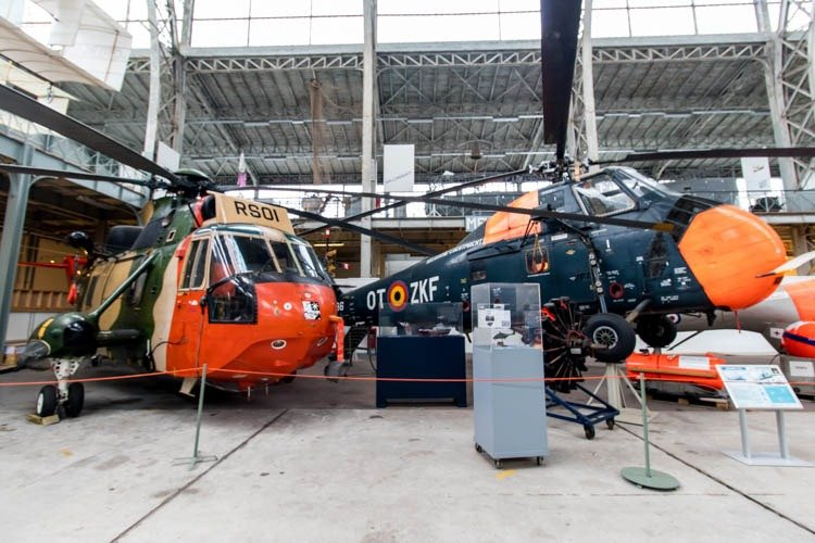 Westland Sea King and Sikorsky HSS-1 Seabat at Aviation Museum i
