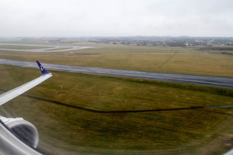 Take-Off from Copenhagen Airport onboard a LOT Polish Airlines F