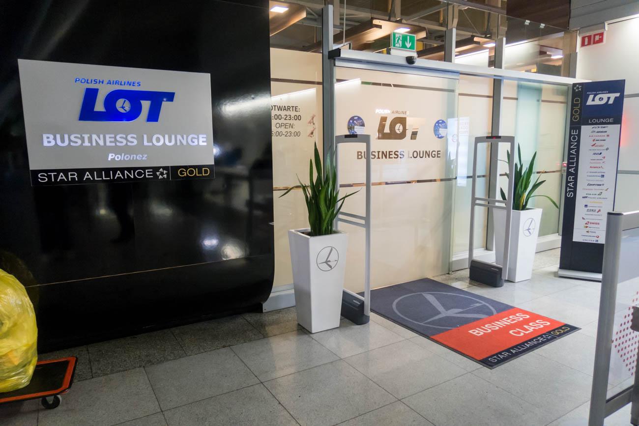 LOT Business Lounge Polonez Entrance