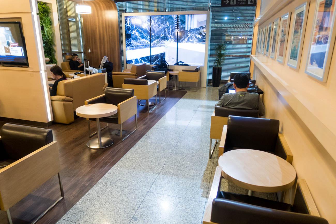 LOT Polonez Lounge Warsaw Seating