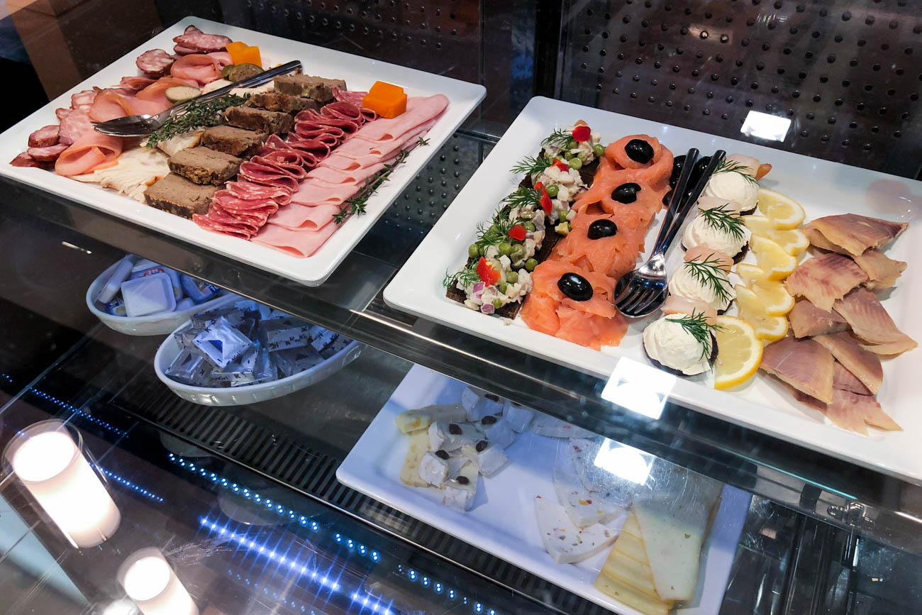 LOT Business Lounge Polonez Warsaw Appetizers