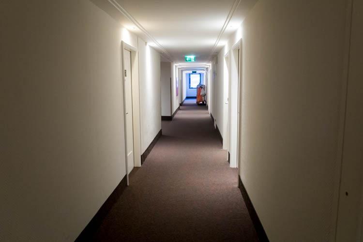 NH Hotel Vienna Airport Hallway