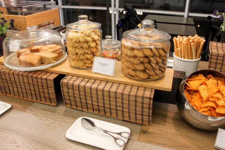 Plaza Premium Lounge Hong Kong (West Hall) Snacks