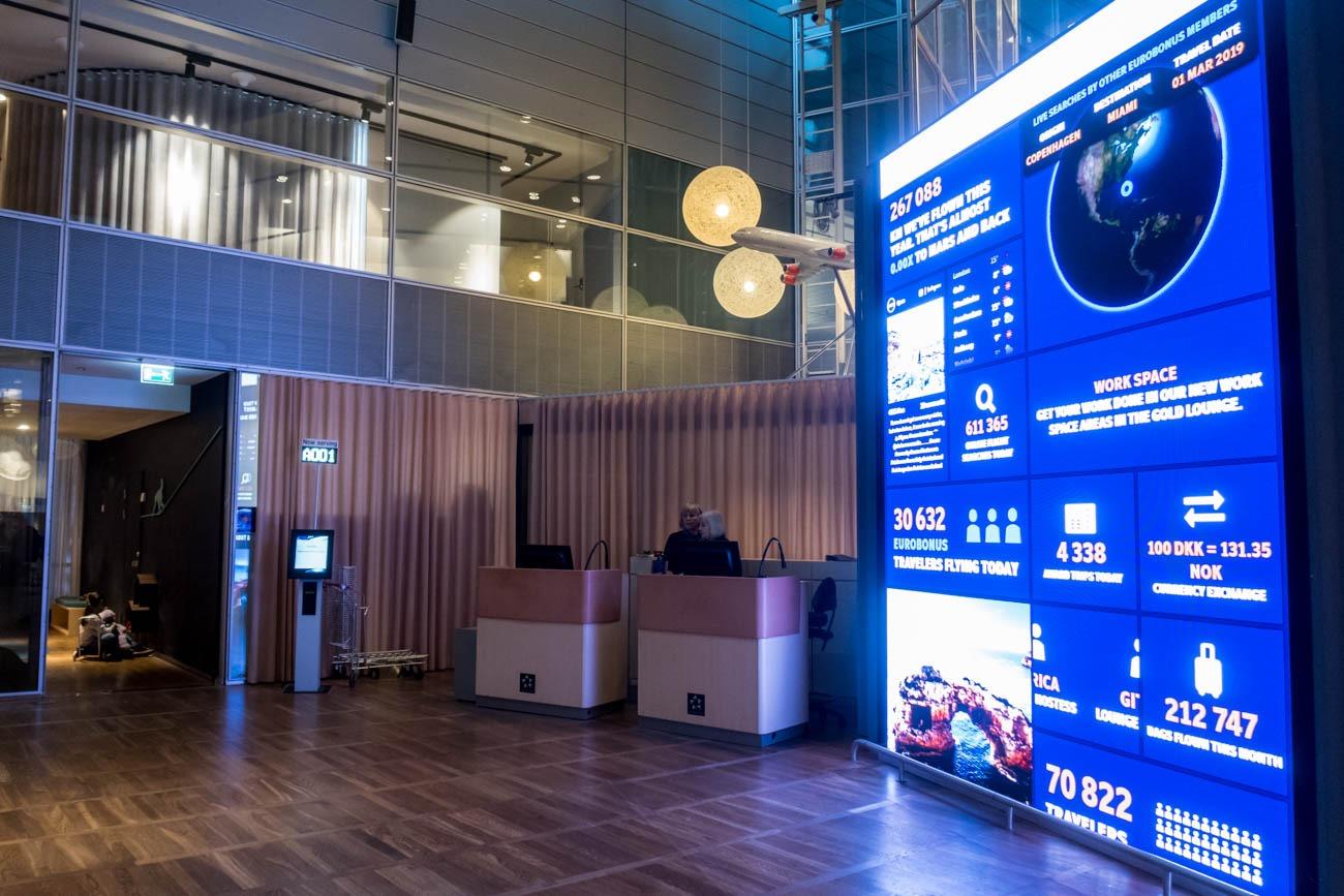 SAS Business Class Lounge Service Counters
