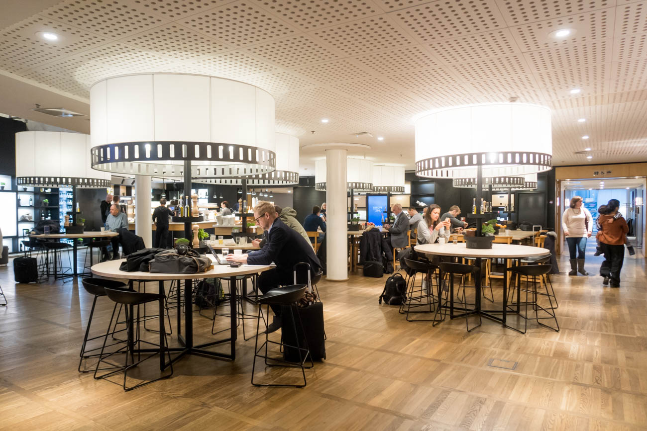SAS Lounge Copenhagen Dining Area Seating