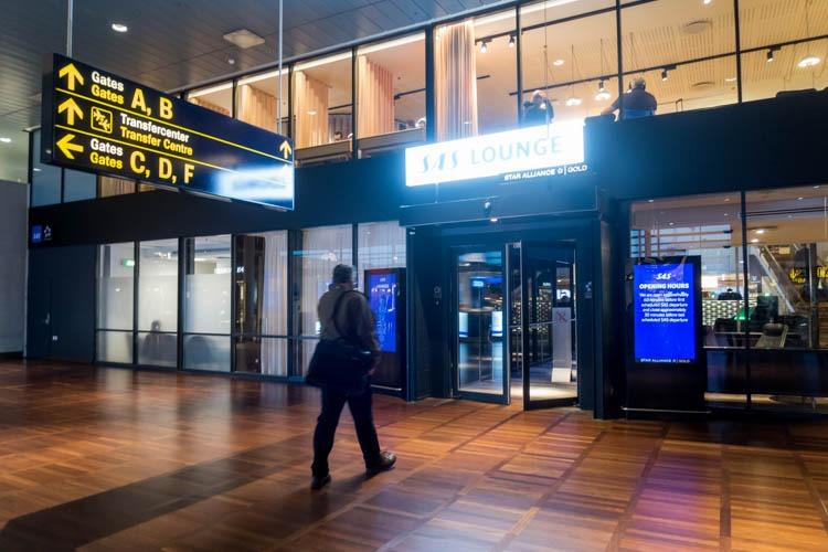 SAS Lounge Copenhagen Entrance