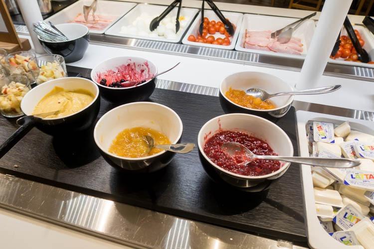 SAS Lounge Copenhagen Breakfast