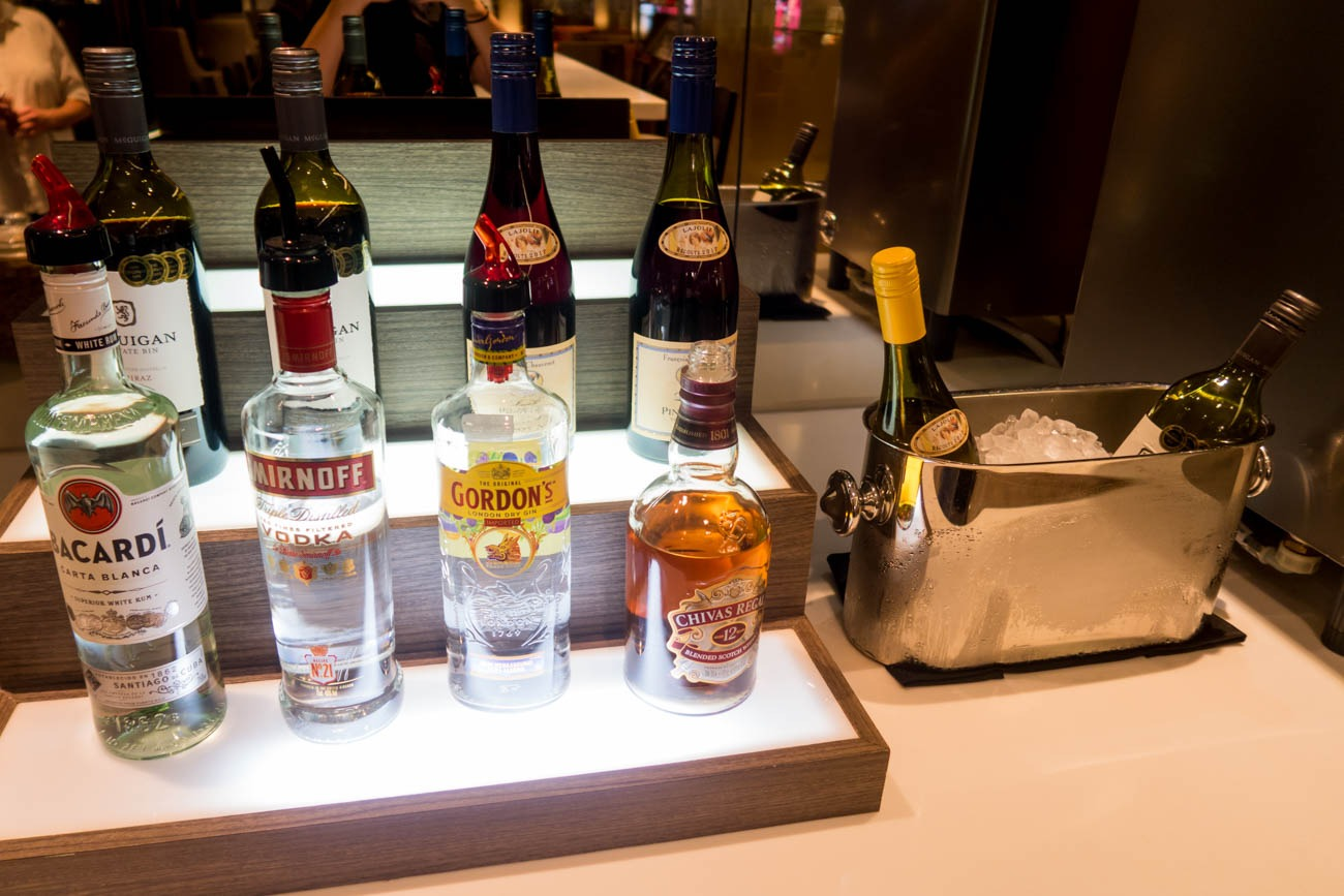 Dnata Lounge Singapore Changi Terminal 1 Liquor and Wines