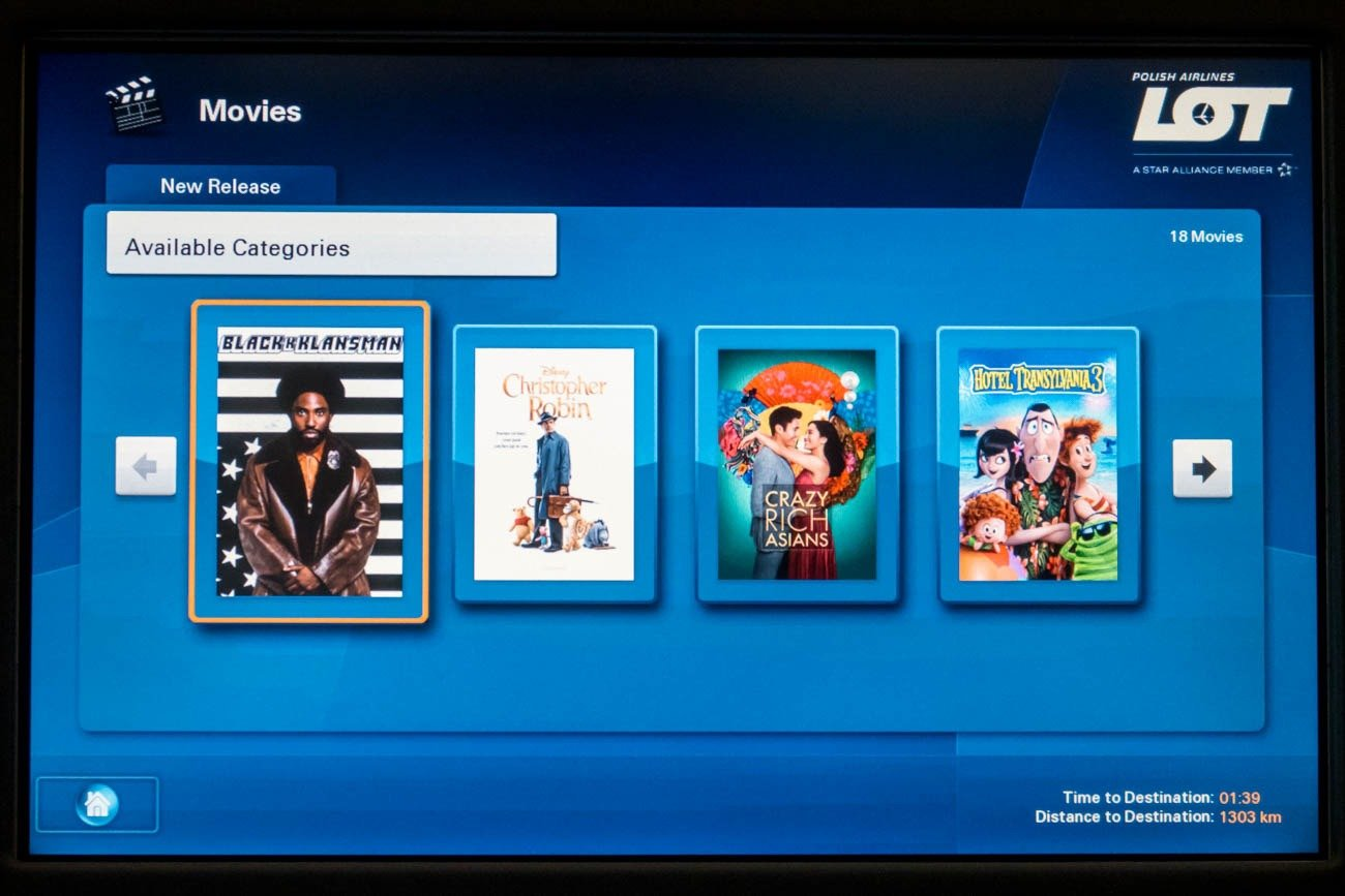 LOT 787-8 In-Flight Entertainment System Movies