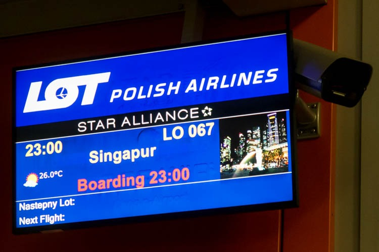 LOT Polish Airlines Flight 67 to Singapore