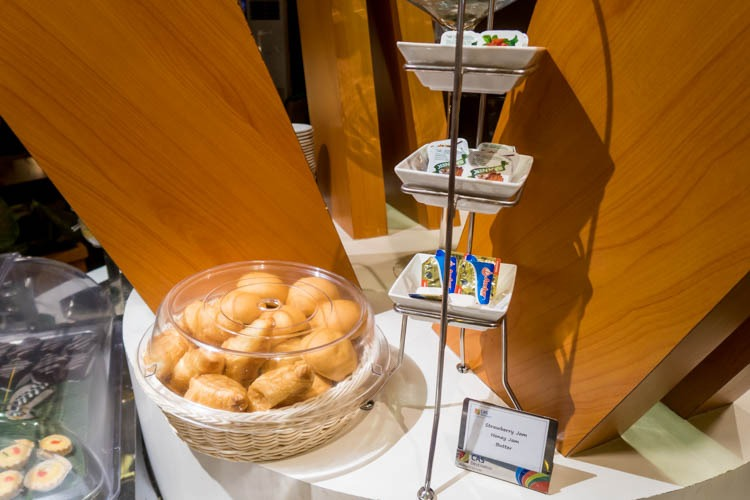 Premier Lounge Bali Bread