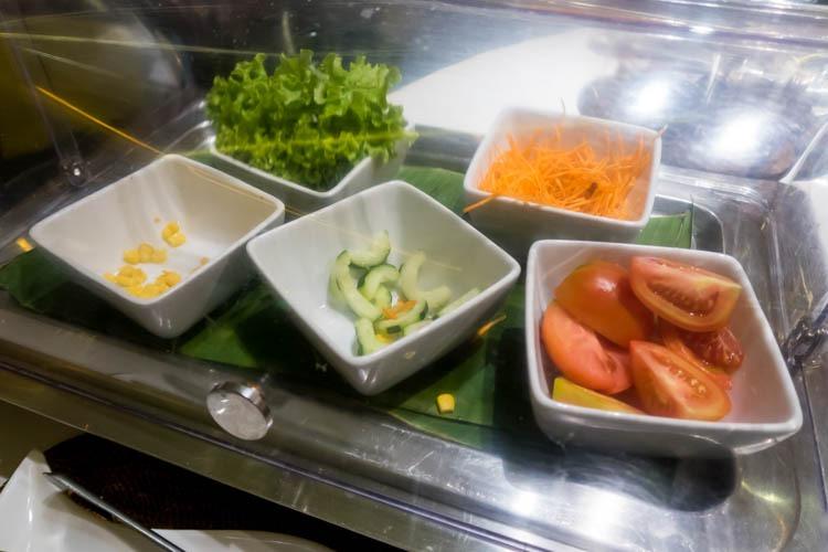 Premier Lounge Bali Salad