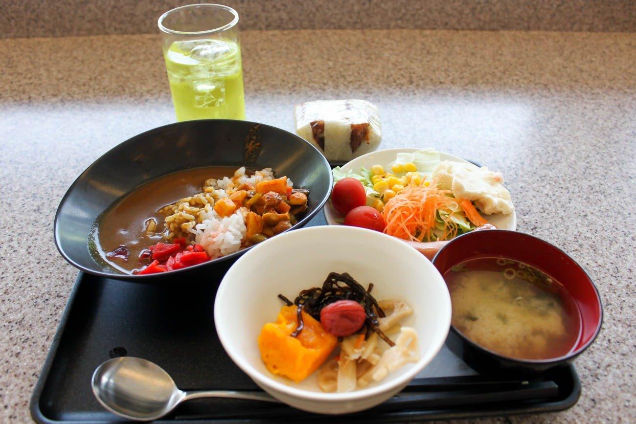 International JAL Sakura Lounge Kansai Airport My Meal